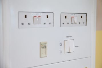 Barnet Hospital - Larch Ward - Electrical